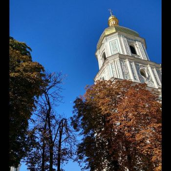 #autumn in #Kyiv - absolutely #nofilter :). #sky #blue #church #cathedral #trees #leaves #moon #sun