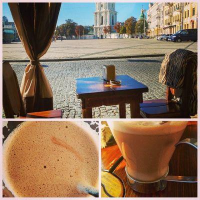 Наше воскресное утро:) София, какао и никого вокруг:) #утро #какао #Киев #воскресенье #sunday #morning #cocoa #Kyiv