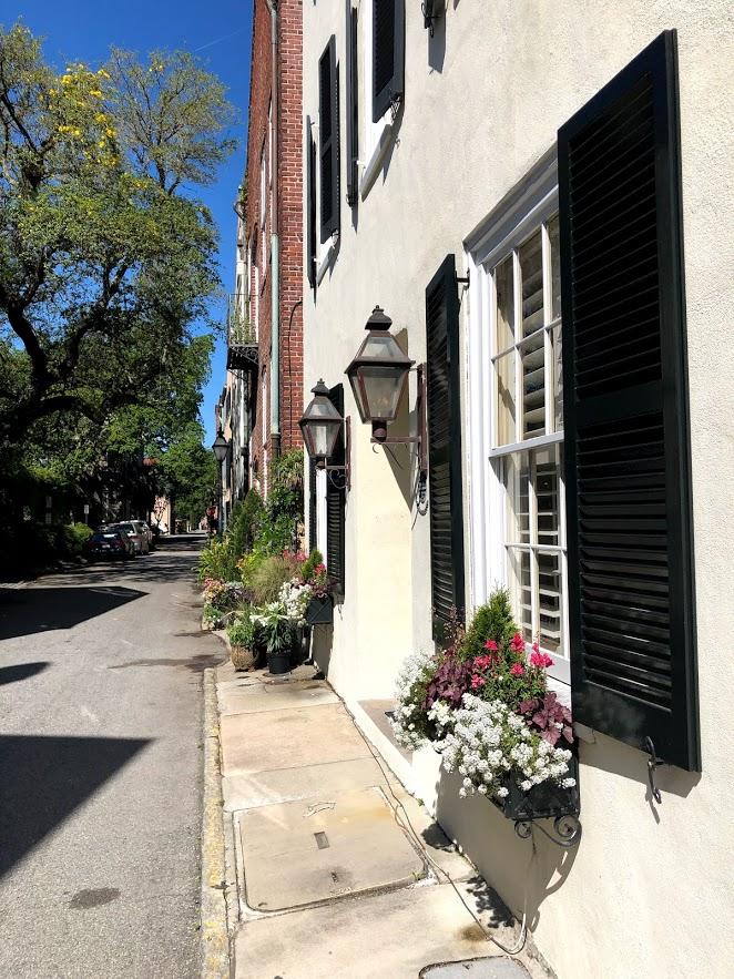 Чарлстон, Южная Каролина: старинные дома, узкие извилистые улочки, и цветы, цветы повсюду!