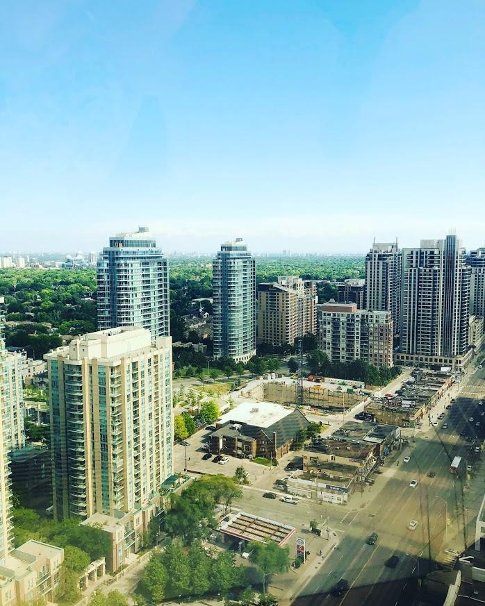 Вид на Ссеверный Йорк, Торонто (North York, Toronto)